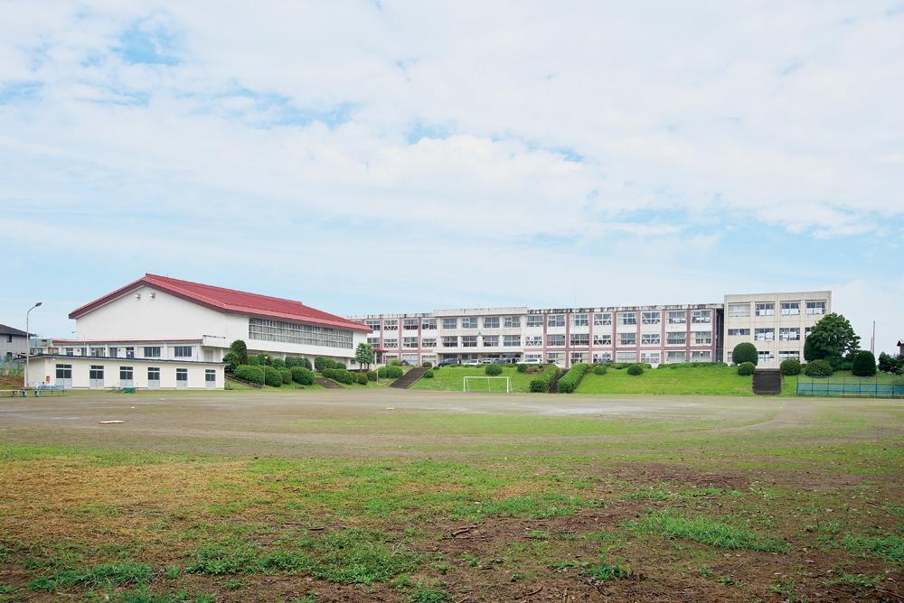 のびやかな環境にある美里町立不動堂中学校(約1.1キロ・徒歩14分)