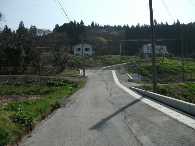 現地へ向かう道路