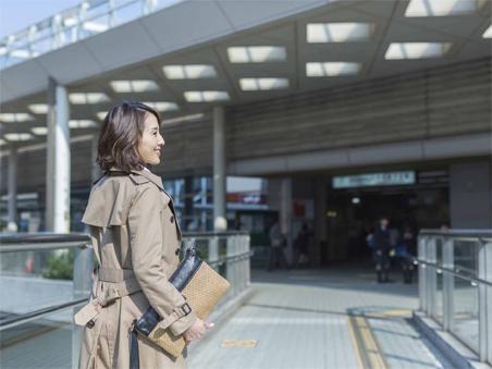 「大手町」へ直通37分。東西線直通、快速停車駅の快適アクセス。<BR>(2014年5月撮影)