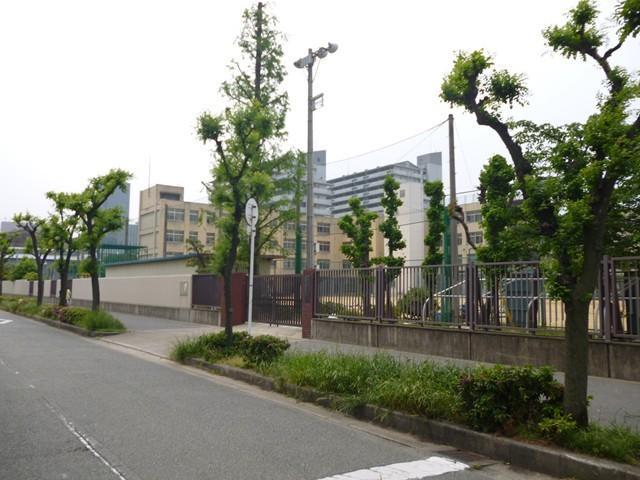 鴫野小学校まで約750m/徒歩9分