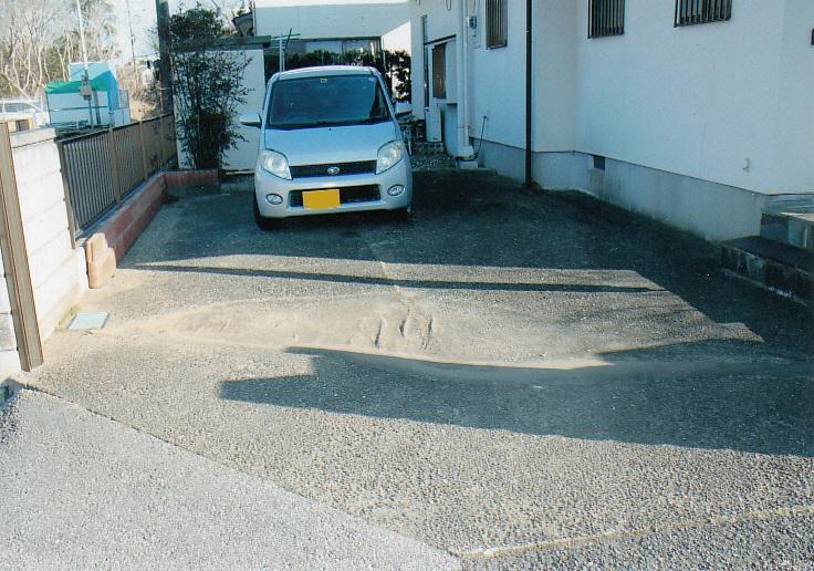 ゆったりスペースの駐車場2台