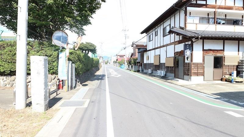 東側接面道路を含む現地写真