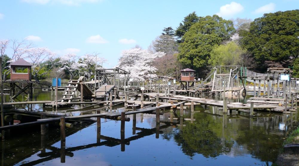 清水公園まで730m フィールドアスレチックや噴水迷路、桜の名所で有名です