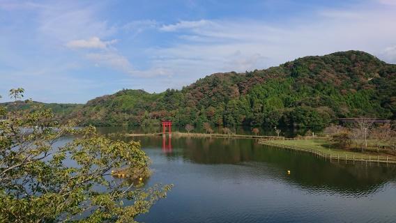 亀山湖まで1800m