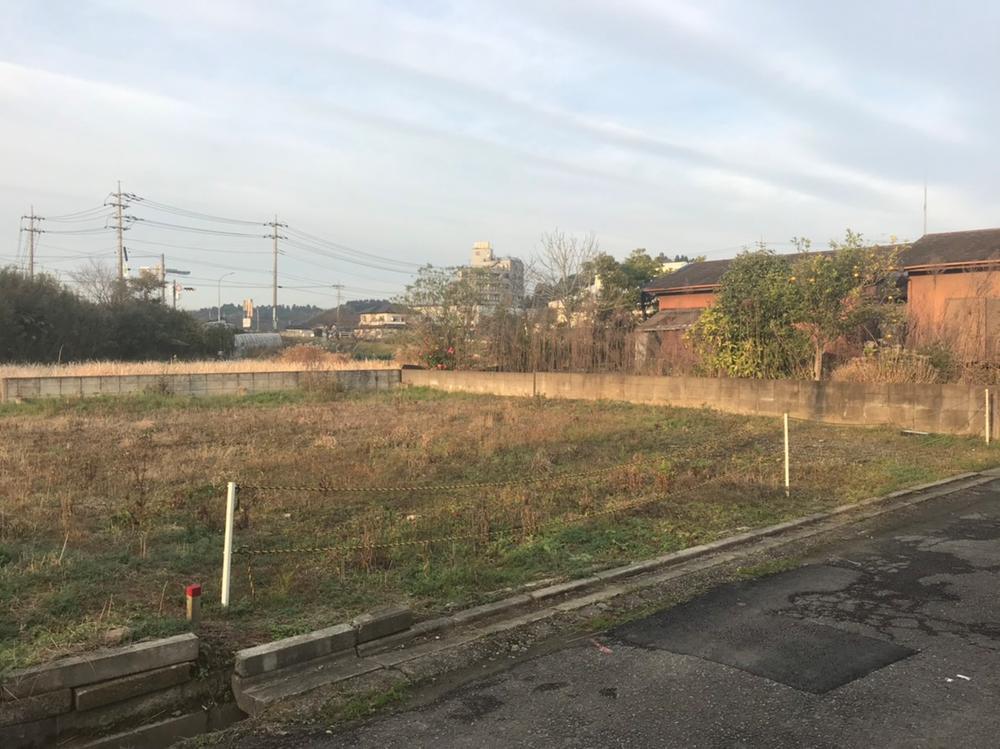 現地(2018年12月)撮影<BR>土地は広々60坪!<BR>JR成東駅まで徒歩9分です。