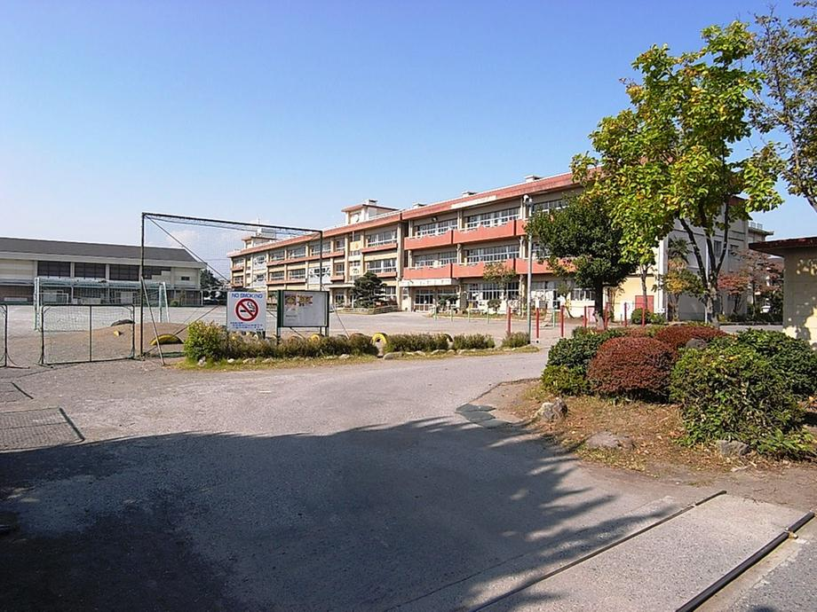 高崎市立塚沢小学校まで1091m