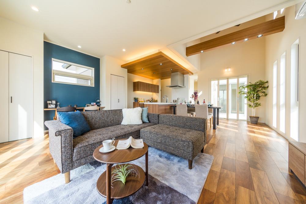 建物プラン例<BR>家事動線が圧倒的に効率の良い平屋プラン。<BR>駐車場・庭付きで、マンションのようなワンフロアの生活。