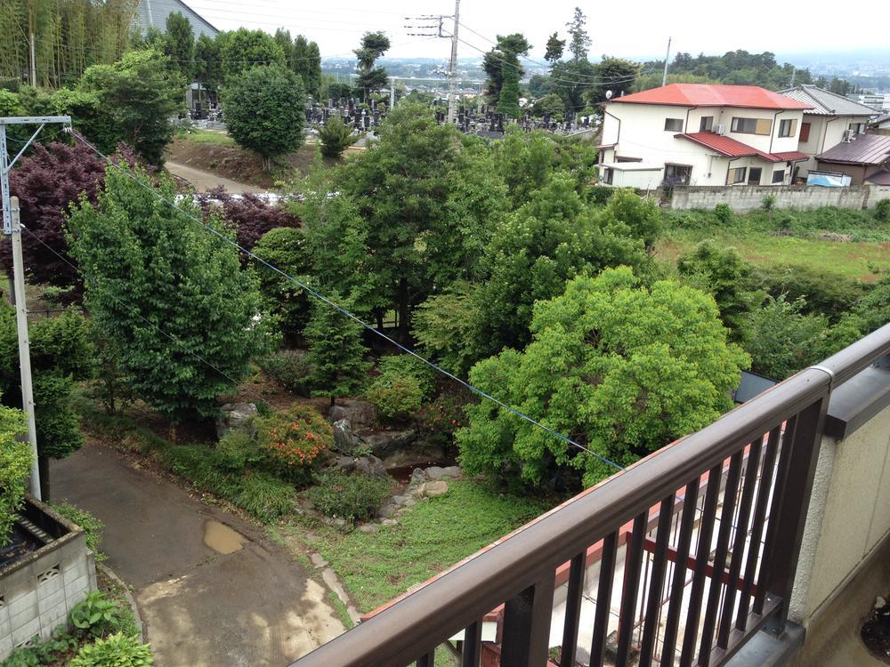 バルコニーからの眺望(2014年6月撮影)