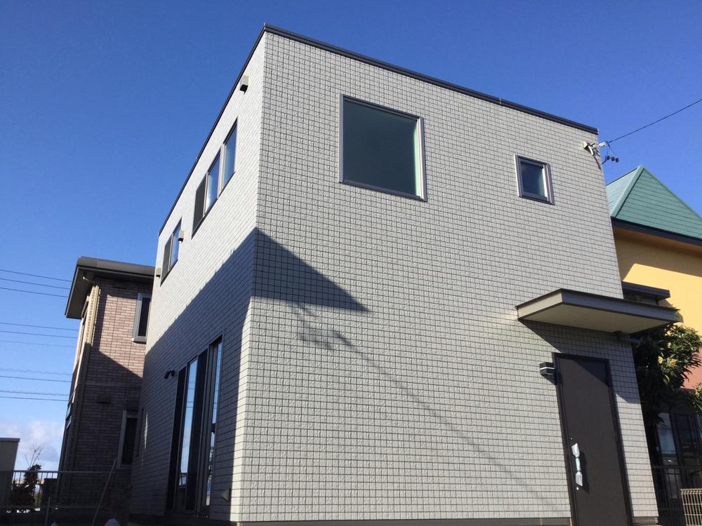 家まるごとリビングの家。シンプルだけど個性的な家『LivingBox』