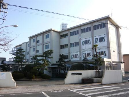 浜松市立神久呂中学校まで1882m