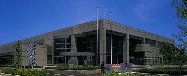 和歌山県立図書館まで673m