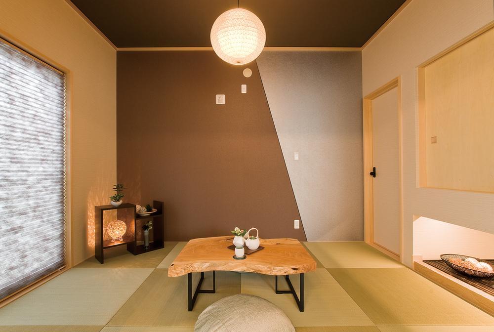和風モダンを醸し出す琉球調畳の和室です。急な来客や、親御さんが泊まりに来たときにも便利なスペースです。