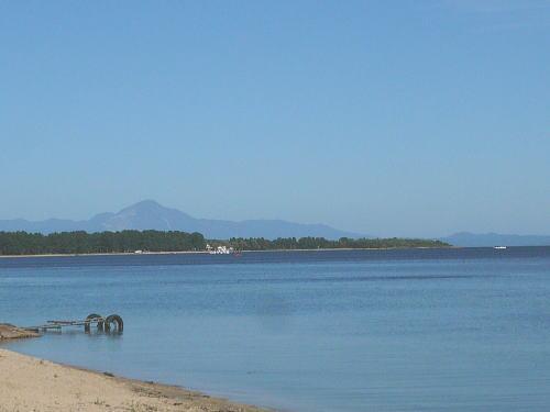 萩の浜まで150m 一番のおすすめは、荻の浜まで150mの近さ!!アクティビティを楽しむのもいいですし、湖岸をお散歩しながらリラックス・・・至福のスローライフが実現できます。