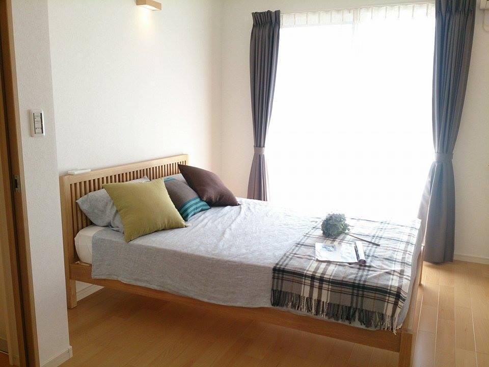7.1帖の寝室は南面には広々バルコニーを配して《開放感》を、北面にはウォークインクローゼットを設けて《たっぷり収納》を実現。快適さと便利さを兼ね備えた、魅力的な設計です。