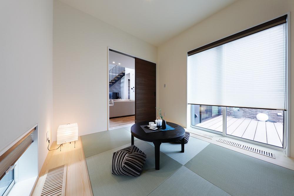 現地モデルハウス和室。来客やお子様の遊びスペースなど様々な目的でご利用頂けます。