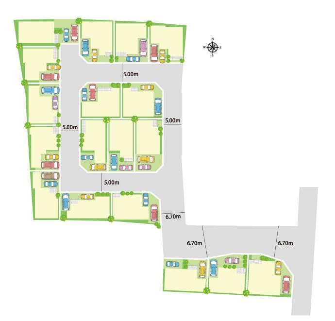 全18区画の街並み。2台分のカースペースを確保できるゆとりある区画設定。進入路が一か所のループ状の道路は、住居者以外の車の侵入が少なく、防犯面でも安心です。