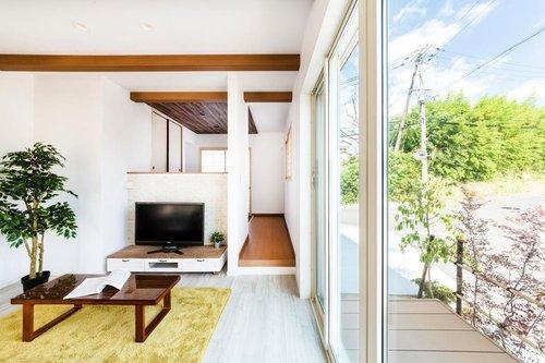 外とのつながりを意識して設計したデザイン。夏には涼しい風が、家中に入ります。