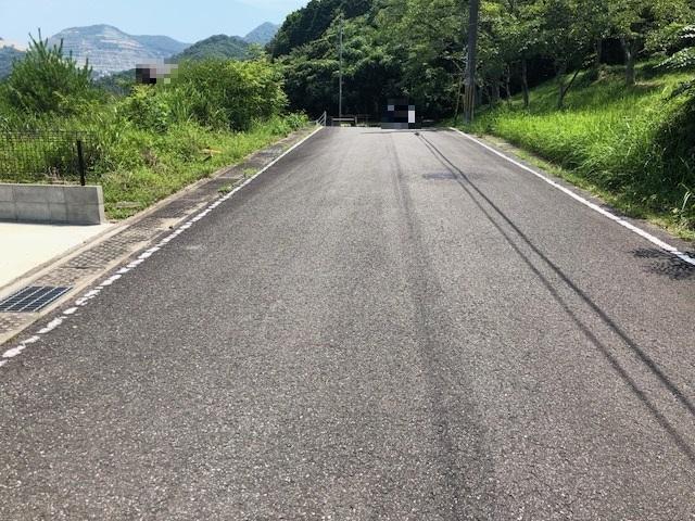 【前面道路を含む現地写真】<BR>現況更地です。実際の陽当りの様子など、現地にてご確認ください。/2018年7月撮影