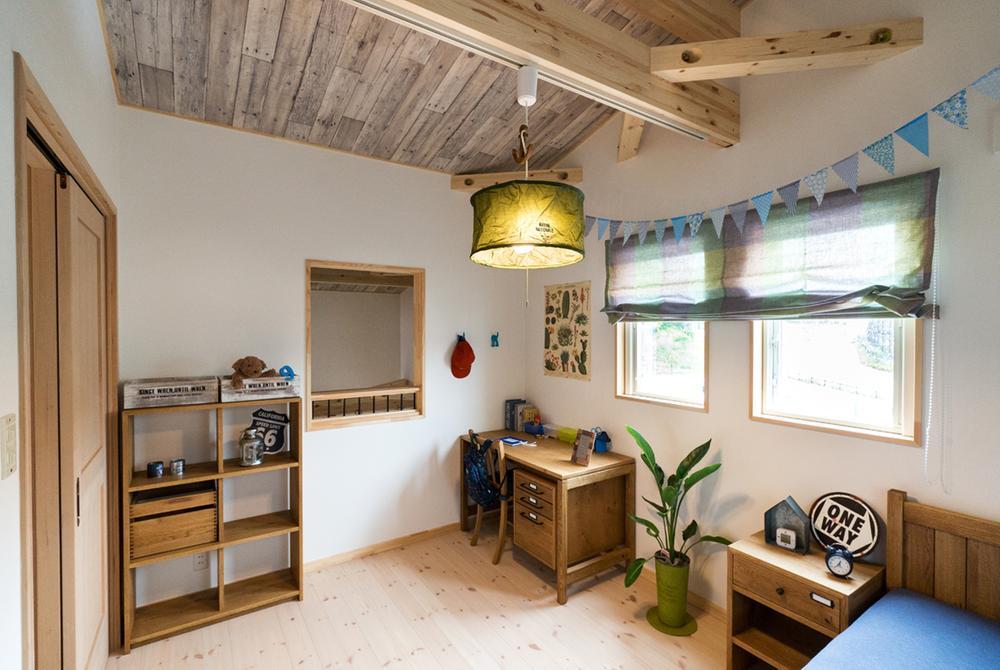 薪ストーブと暮らす、平屋+ロフトハウス。和泉市(和泉中央毎日総合住宅展示場内)モデルハウス(BinO~CAMP~)