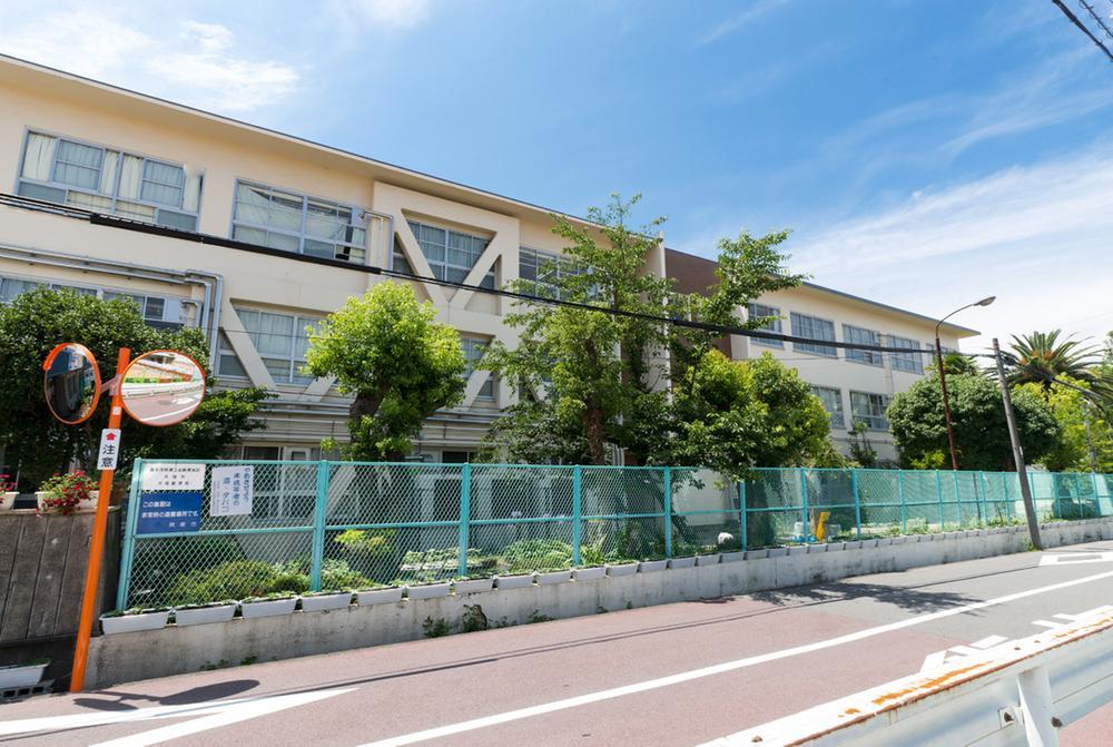 貝塚市立第二中学校まで102m