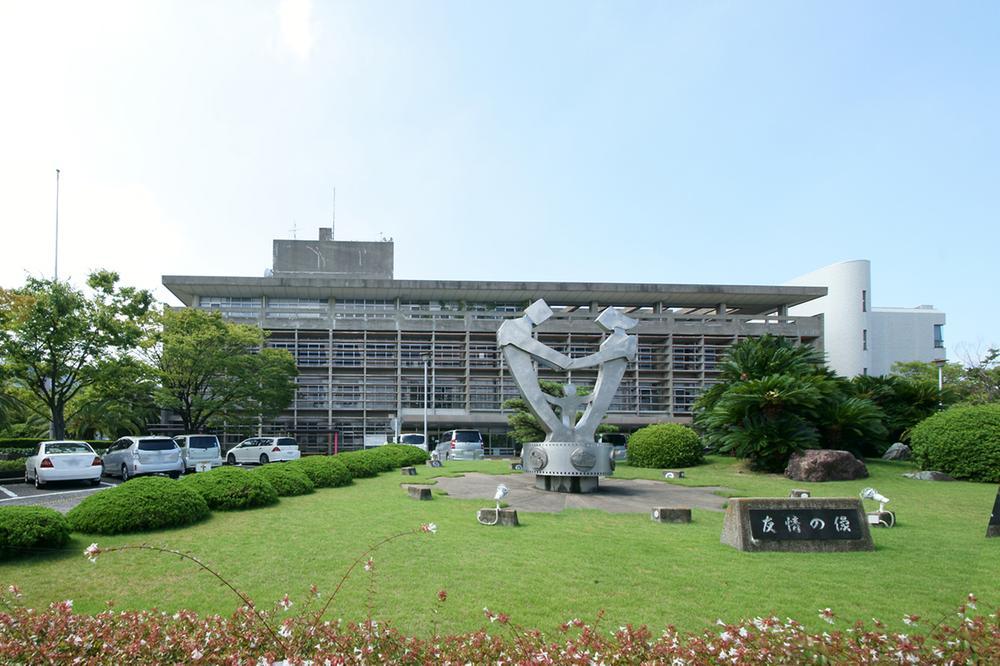貝塚市役所まで1465m
