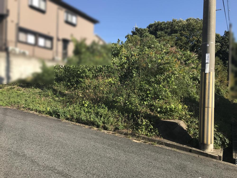 【吉野郡大淀町大字北野】<BR>近鉄吉野線「六田」駅まで徒歩19分の立地です。第一種低層住居専用地域内に位置しています。
