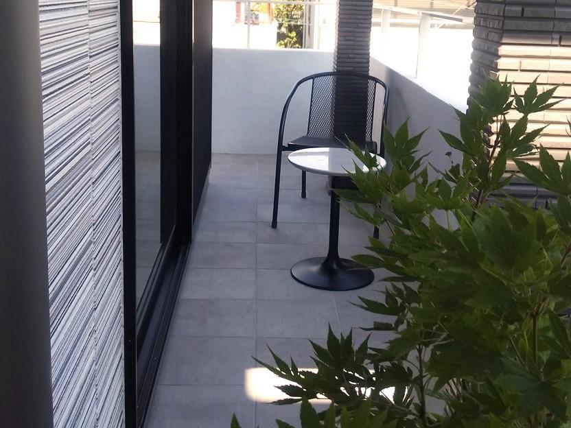 モデルハウス テラス<BR>高台となっている為、テラス席はプライバシーが確保されていて、とても心地良い空間となっています。奥様同士の会話もはずみます。