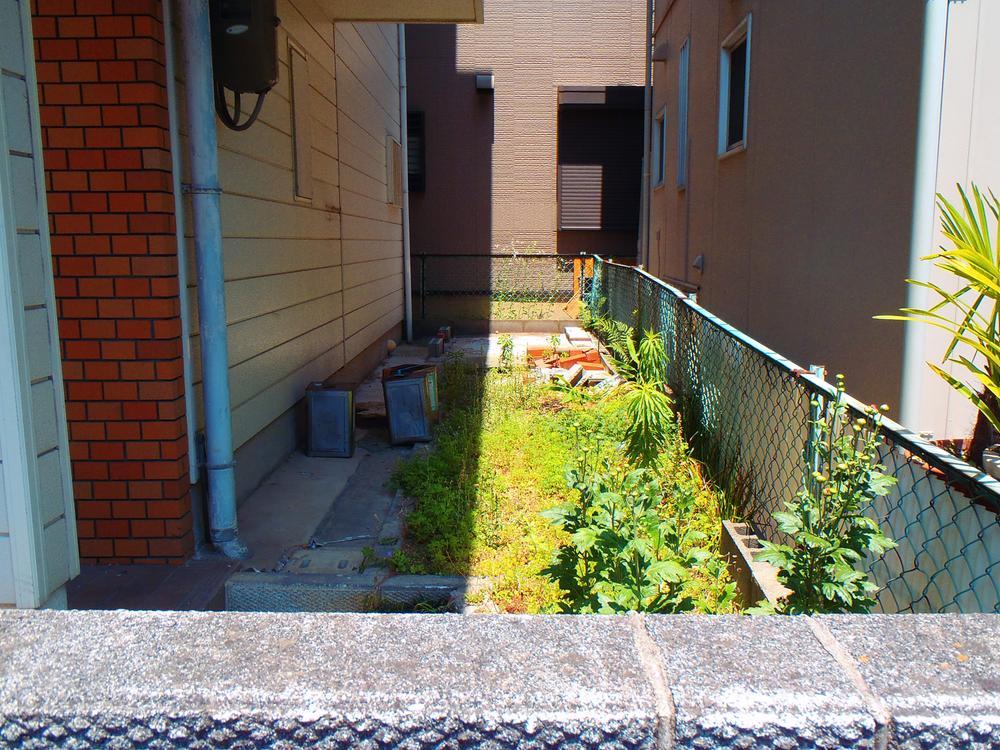敷地南側にお庭あり