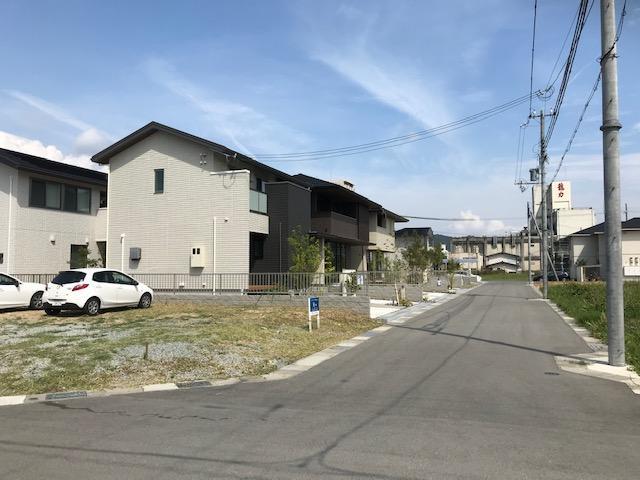 写真は、8号地の様子です。(2020年9月撮影)南西角地 2面道路 175.26 m2(約53.01坪)1540万円