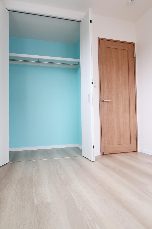 【弊社施工例】可愛い子供部屋。クローゼットを開けるたびにわくわくしますね。