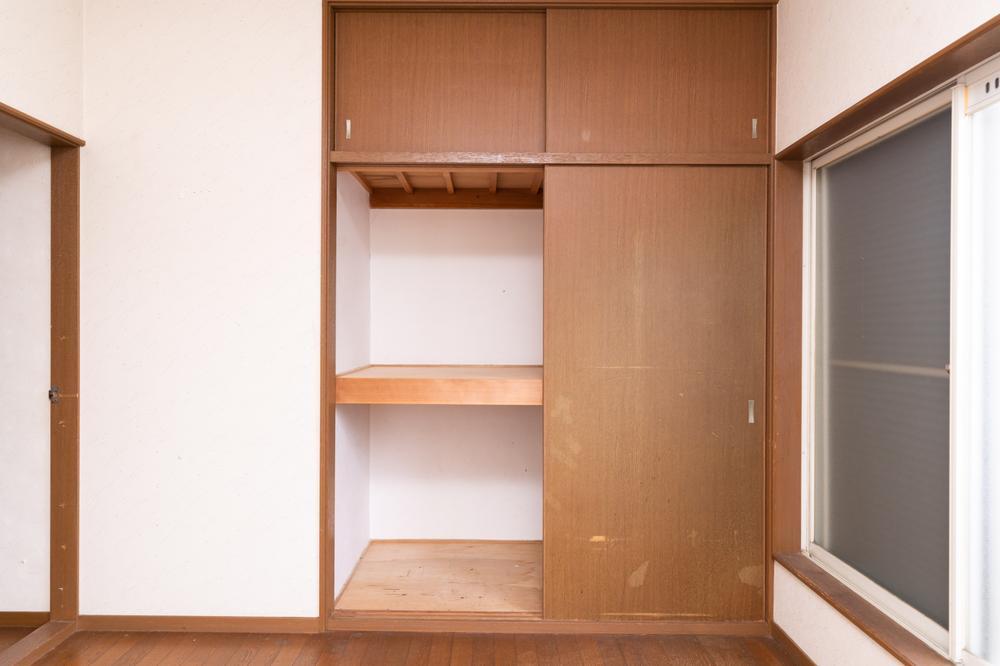 各居室、ご家族それぞれの衣類やかばんなどが収納できるようしっかり収納を備えます。