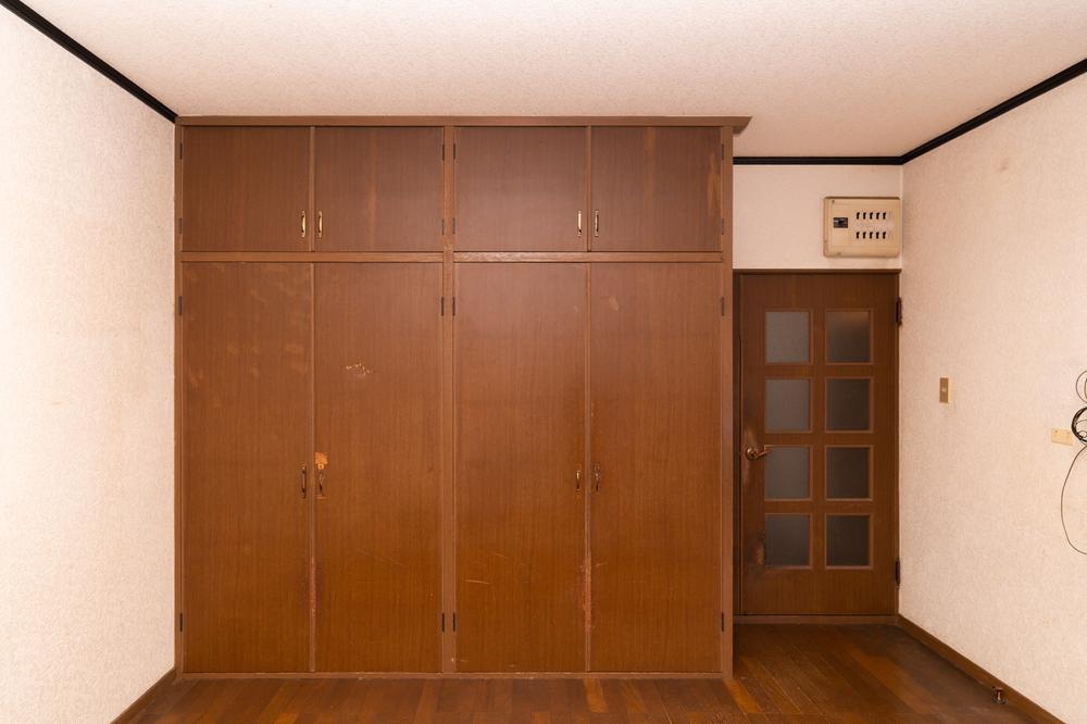各部屋に収納スペースをしっかり完備。それぞれのお部屋ですっきりきれいにお洋服を管理できます。