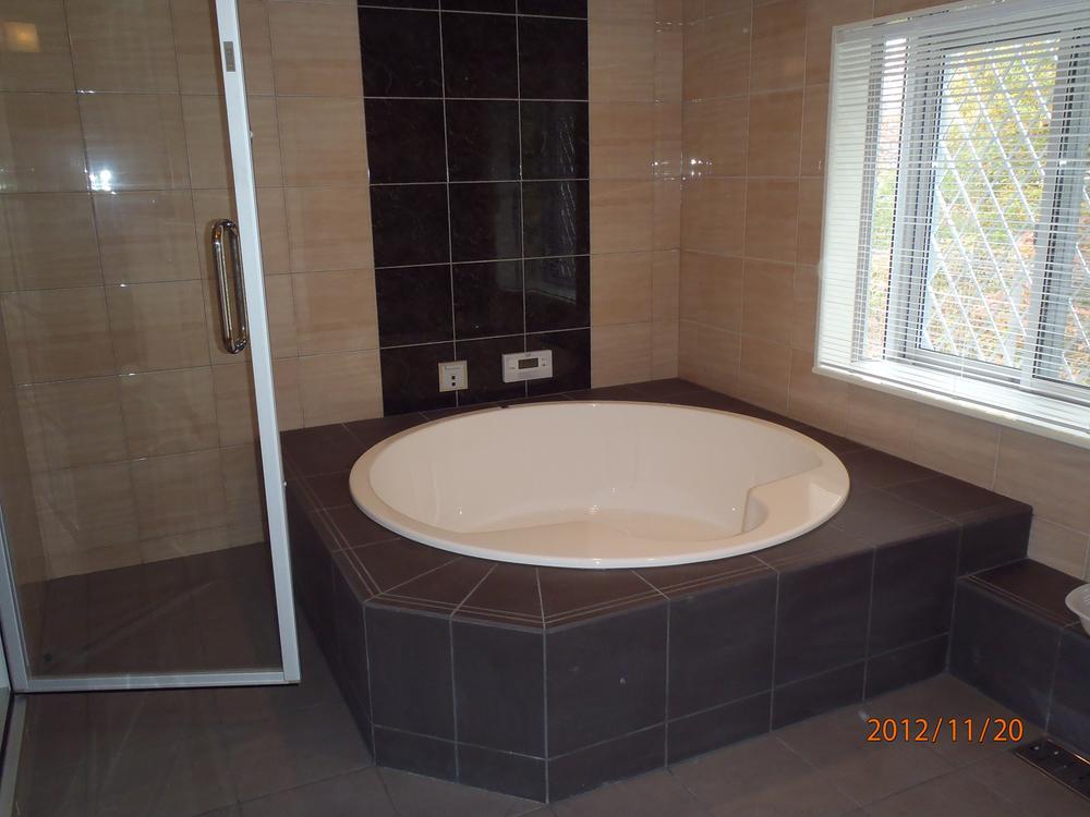 土地価格1350万円、土地面積843m<sup>2</sup> 建物プラン例(1号地)浴室同仕様