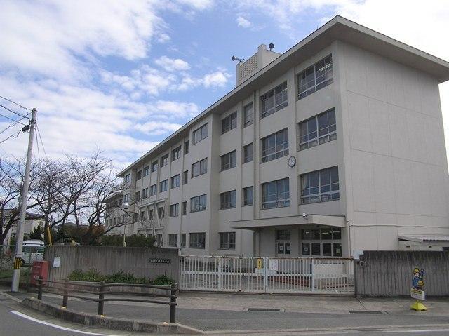 播磨町立播磨小学校まで290m