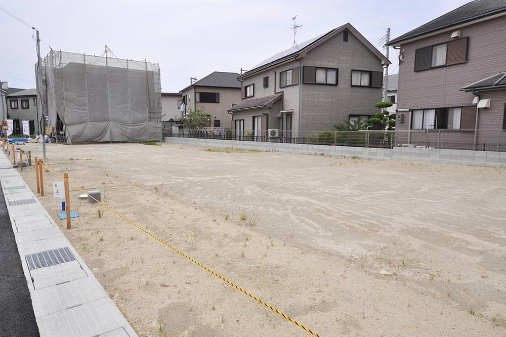 【現地写真】<BR>JR阪和線「日根野」駅まで徒歩14分、小学校へ徒歩7分。大型商業施設や救急指定病院も揃う、子育て家族にうれしい立地に、30区画の街が誕生☆/2020年6月撮影
