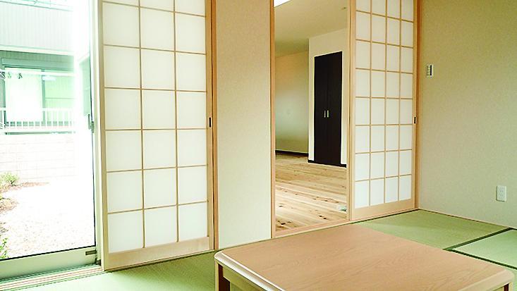 南側の和室は家族の落ち着ける、ぽかぽかの空間になりそうです。(7号地)