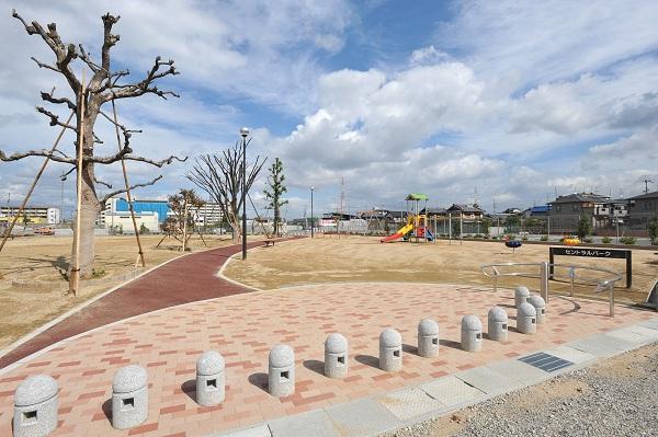 どんどん出来上がってきている大規模タウン!パークスランドの名にふさわしい「公園に囲まれた暮らし」も!