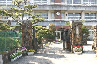 長田小学校まで845m