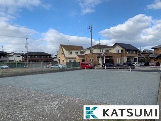 【現地写真】幼稚園・小学校・スーパーが10分圏内に揃う過ごしやすい立地になります。