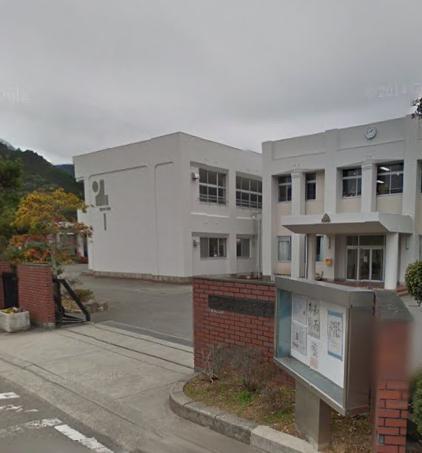 野上中学校まで2261m