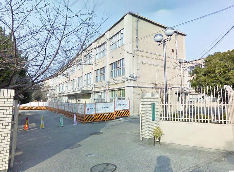 京都市立桂中学校まで1132m