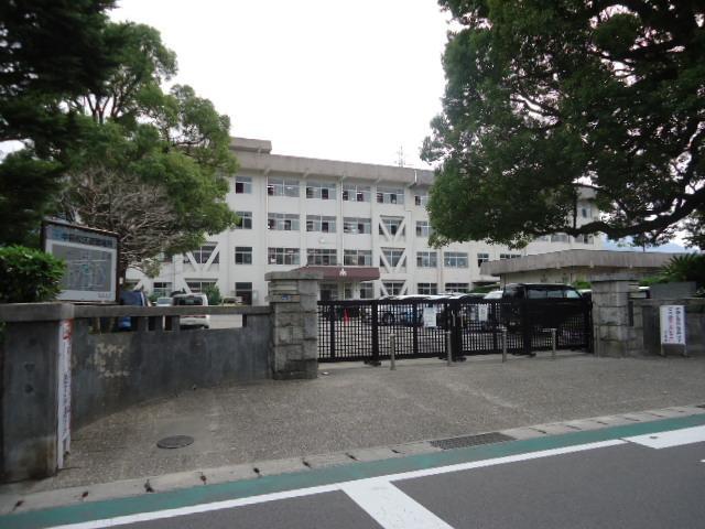 新居浜市立中萩小学校まで1041m