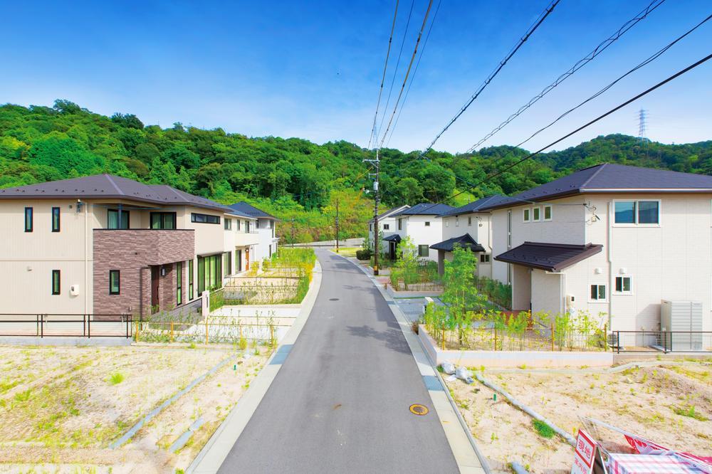 第二期モデルハウス街並み写真①<BR>※販売対象でない住宅が写り込んでいる場合があります。