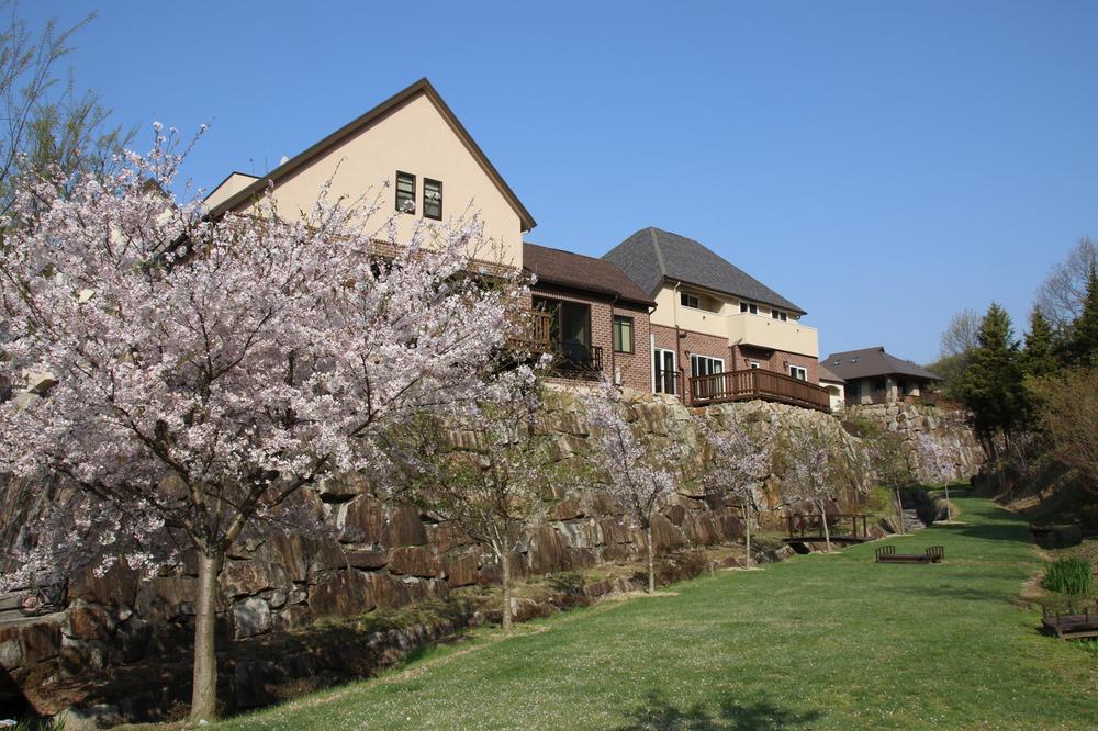 「サンノゼの丘」では、海外の住宅地の良さを取り入れ、街全体の景観の美しさや心地よさを追求しています。