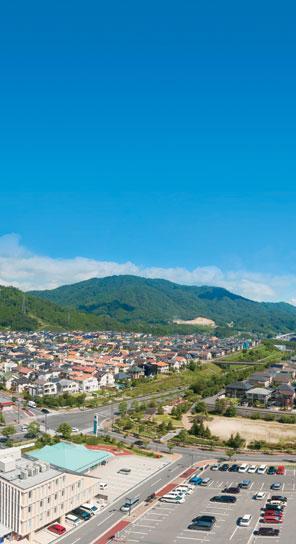 日当たりのよいフラットな土地を分譲中。平坦な道なのでタウン内の移動は自転車でもスイスイ