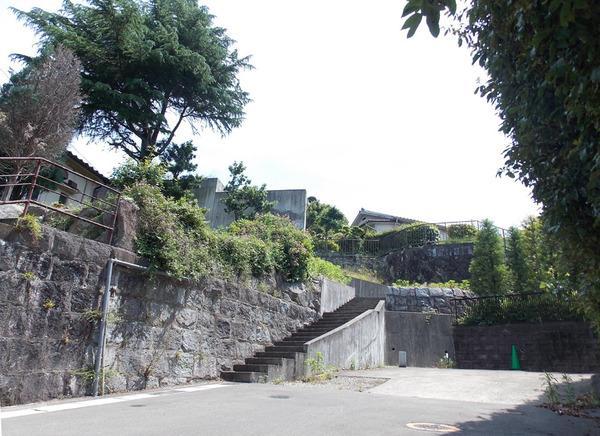 擁壁は建築確認済証あります。