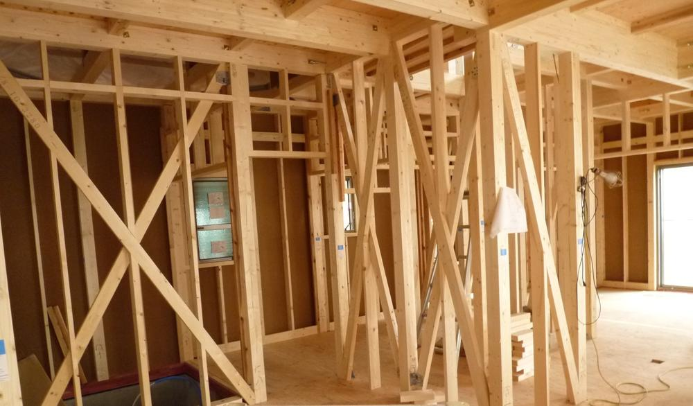住宅はライフスタイルによって必要な間取りが変わってきます。木造軸組工法の場合は間取りの変更を伴うリフォームが比較的行い易い構造です