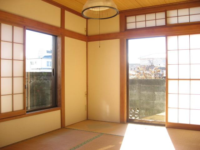 その他部屋・スペース LDKの隣の落ち着いた南面和室です。収納・床の間もあります!