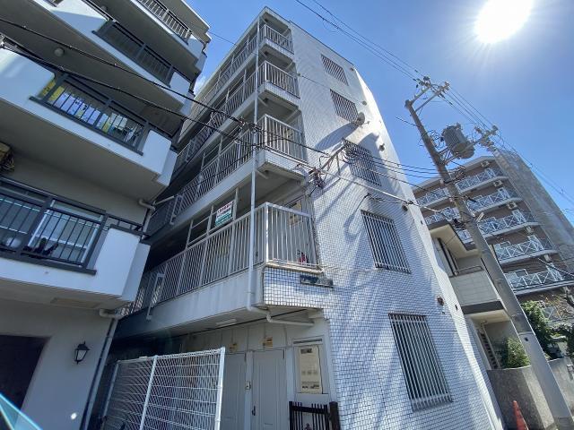 深江本町マンションの外観