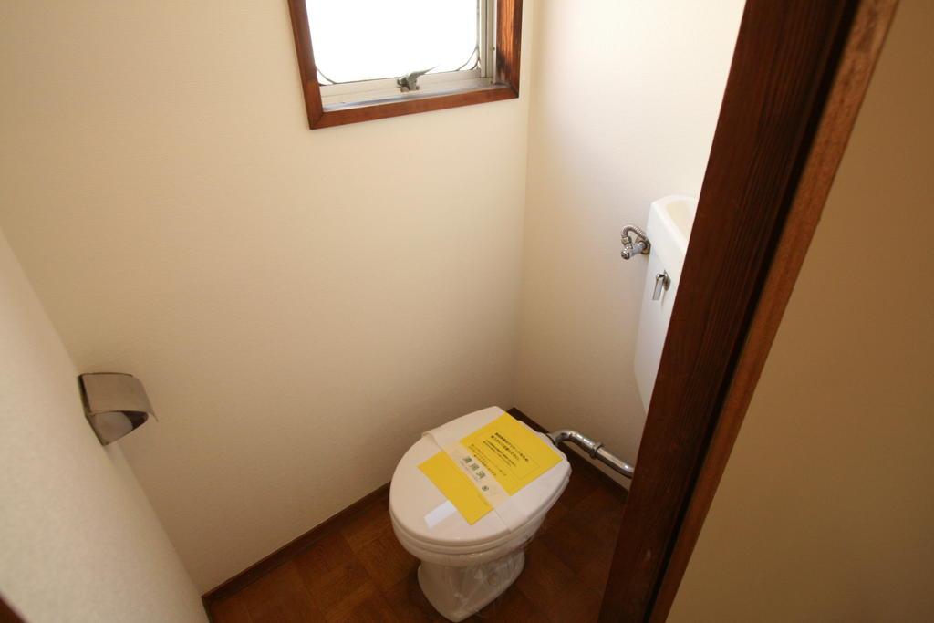 トイレ ※写真は他の部屋です。